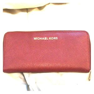 PERFECT condition Michael Kors wallet.